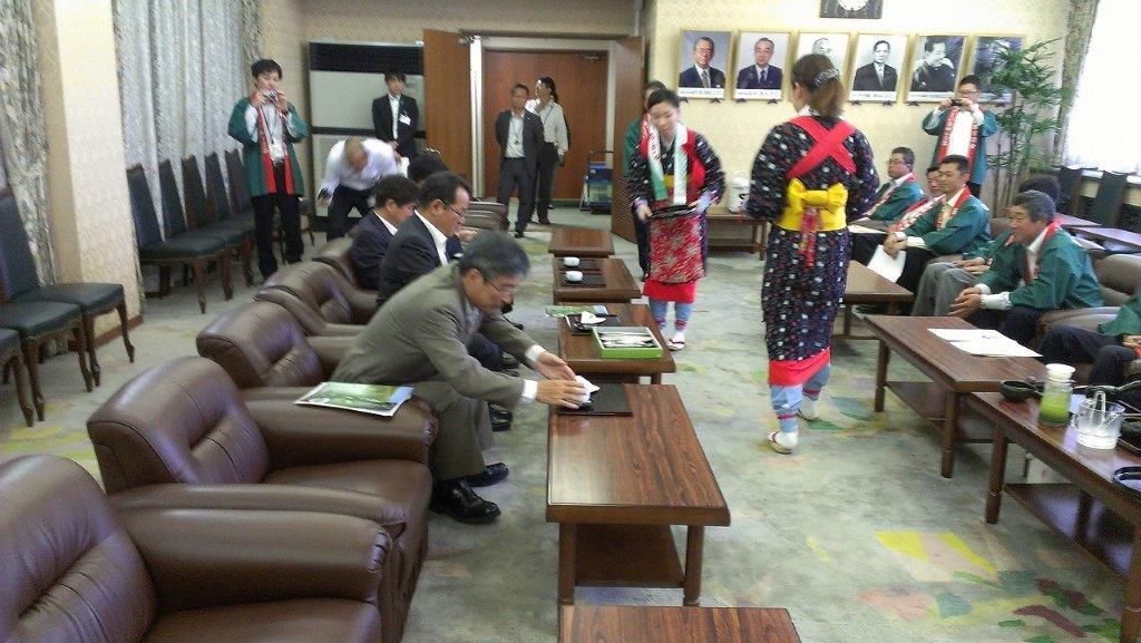 長崎県庁へお茶のPR